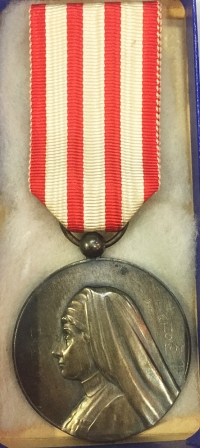 RARE MEDAL RED CROSS UNIQUE GREEK SILVER