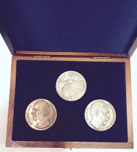 Wooden case with 3 silver medals for Europe