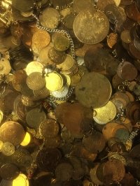 400 Copy coins of traditional costume