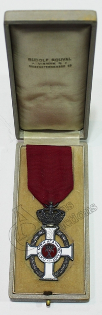 Silver Cross Order Of King George Souval in box
