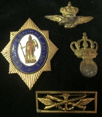 4 Badge, Pin Etc