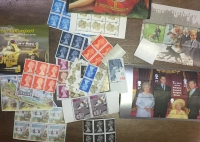 GR. BRITAIN Mix of MNH stamps from booklets, some miniature sheets, etc
