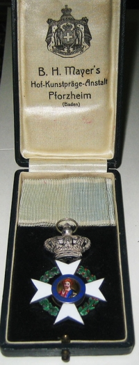 Silver Cross Boxed Mayer's